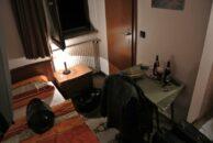 """Übernachtung im """"Jägerhof"""" in Herzberg. Das kleinste Zimmer, das ich je hatte."""