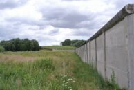 Für den, der die Grenze noch kennt - bedrückend: Das Grenzdenkmal in Hötensleben.